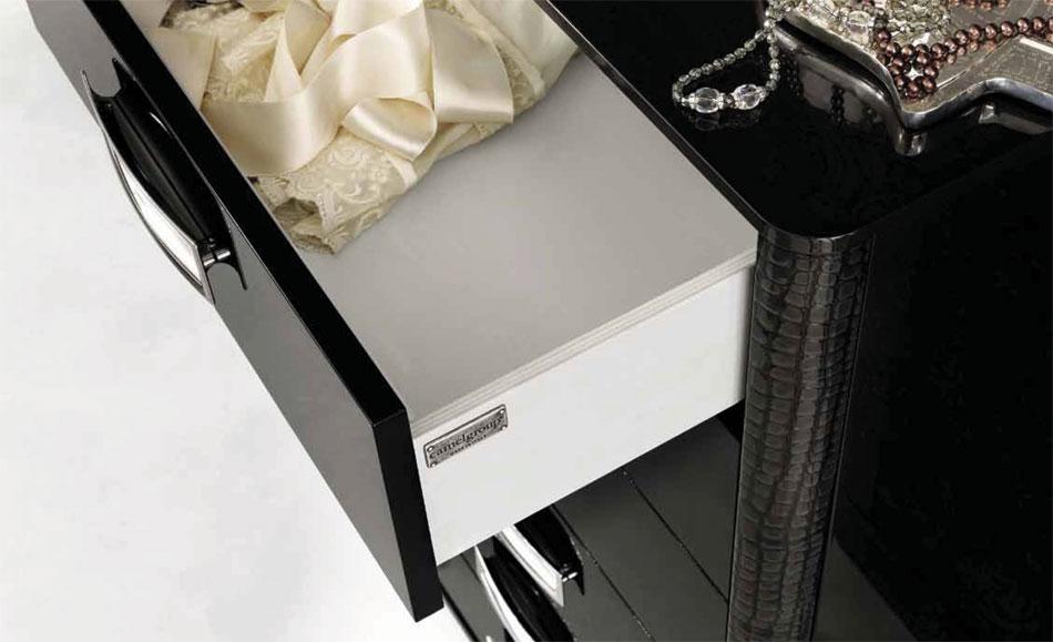 LA Star 01 Dresser