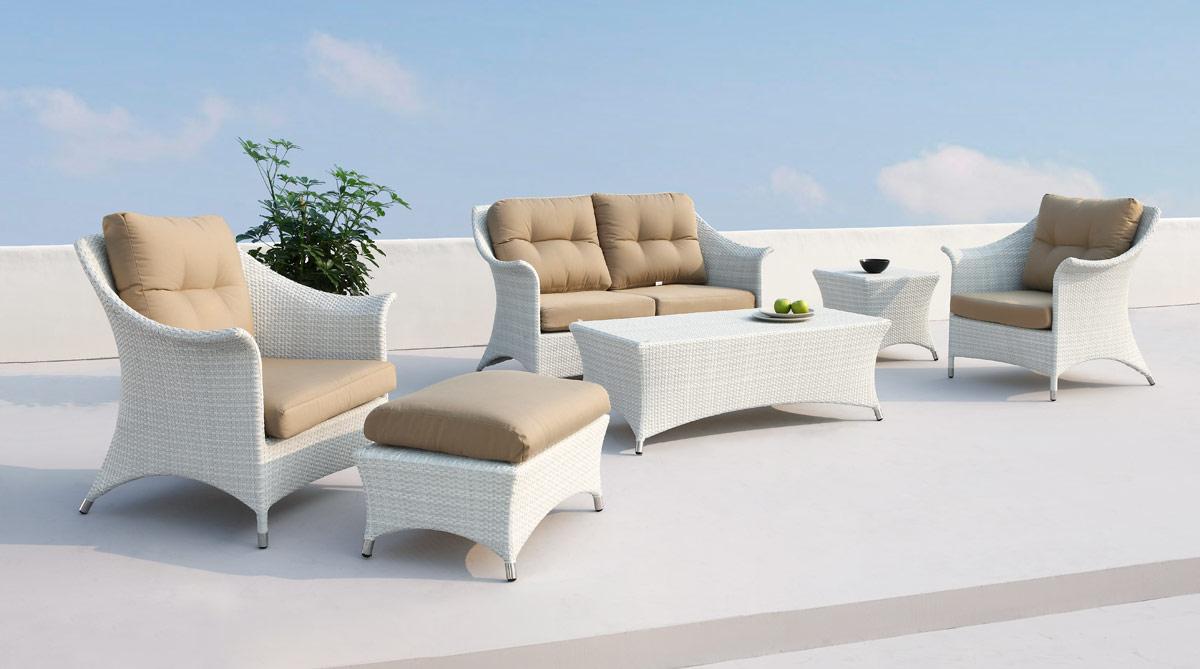 Dine with Pleasure with you Patio Furniture - LA Furniture Blog