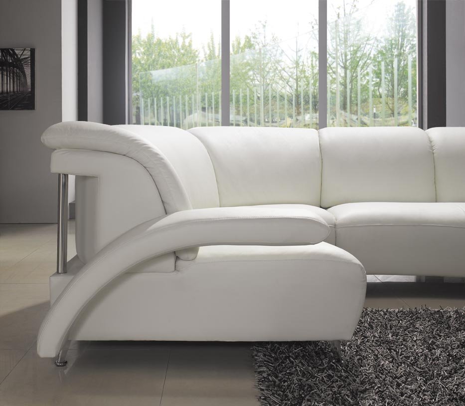 Keep your living furniture looking new and spotlessly for Looking for living room furniture