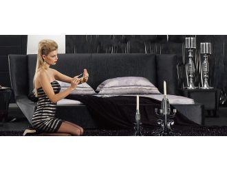 Sagitar Modern Black Platform Bed