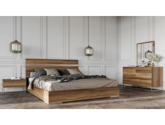 Nova Domus Lorenzo Italian Modern Light Oak Bedroom Set