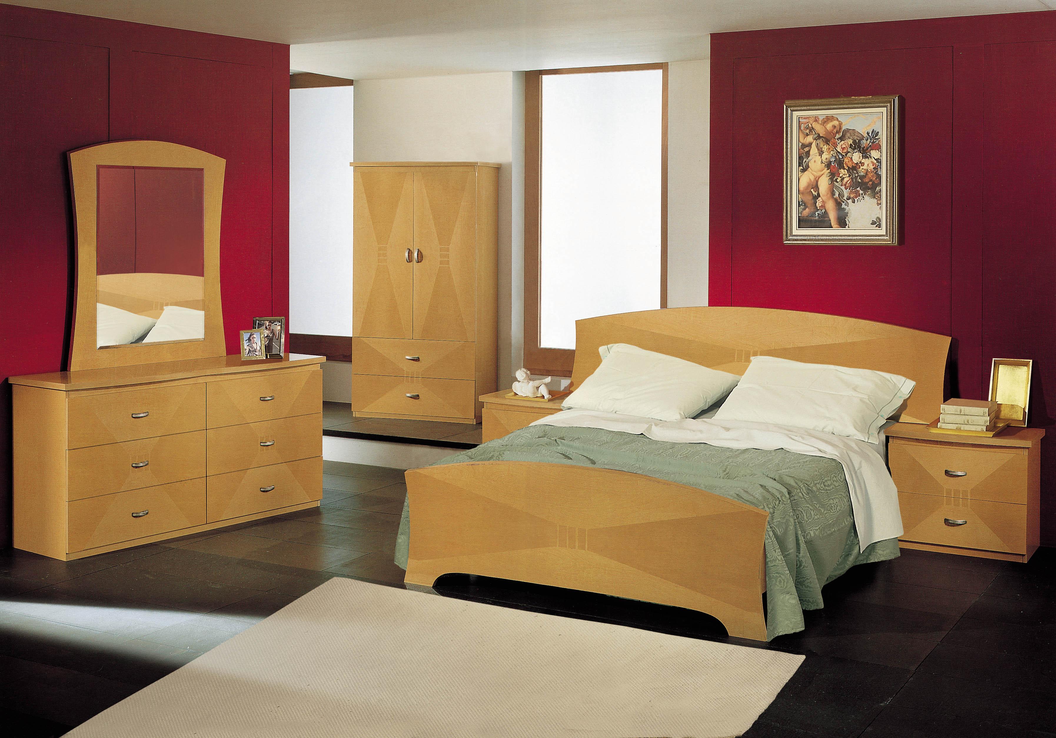 Vera Queen Bedroom Set