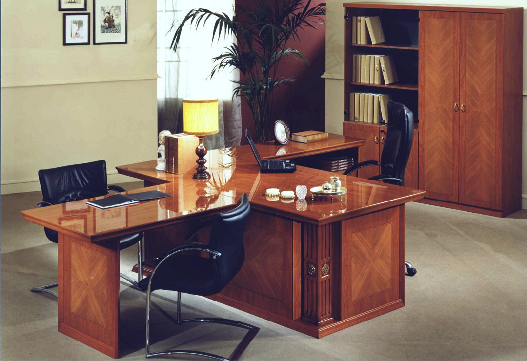 big office desk. where do you intend to put your office desk have a big room or is it just small space r